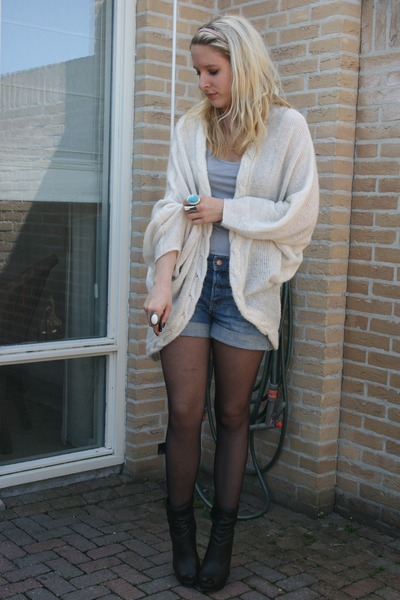 Vero Moda cardigan - H&M shorts - Look Book shoes