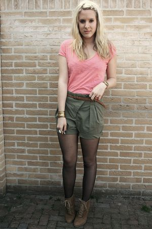 Zara shorts - H&M shirt - Zara shoes - H&M belt