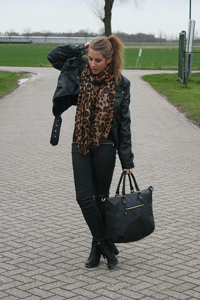 tawny Label scarf - black Nelly shoes - black Zara jeans - black H&amp;M jacket