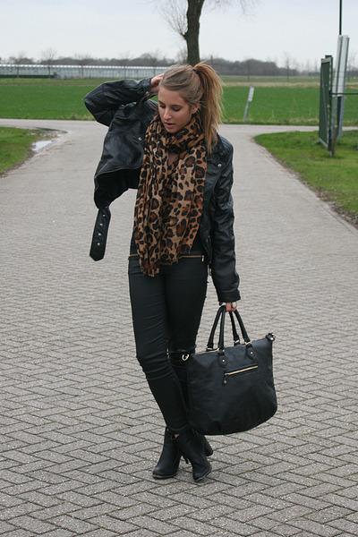 tawny Label scarf - black Nelly shoes - black Zara jeans - black H&M jacket