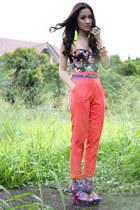The grass is always greener (c) Laureen Uy