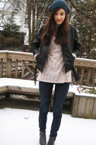 black jacket - beige little yellow button top - blue hat - American Eagle jeans