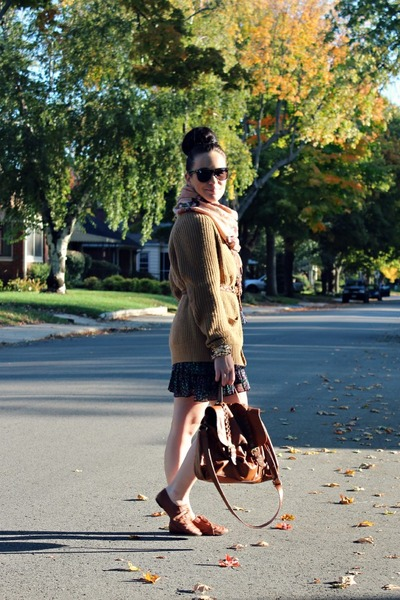 camel H&M sweater - brogues Charlotte Russe shoes - floral H&M dress