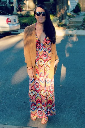 waffle knit H&M cardigan - maxi Forever 21 dress - cognac Kelsi Dagger wedges