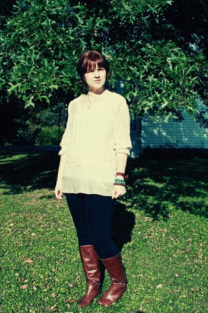 tawny boots - neutral blouse