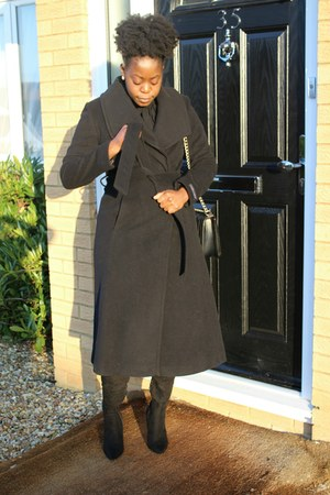 black boots - black Marks and Spencer coat