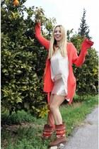Pull & Bear boots - H&M skirt - Zara cardigan - Primark t-shirt