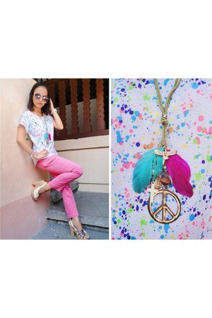 Closet Chic top - love diva necklace - Parisian heels