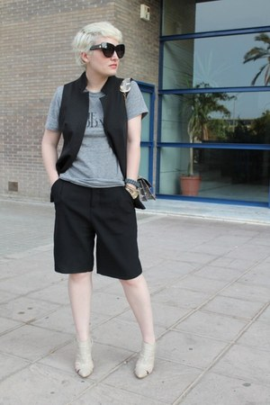 Angel Jackson bag - Zara shorts - Marquis vest - Rodarte t-shirt - Senso heels