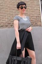 modcloth necklace - Zara skirt - H&M t-shirt - Uterque belt