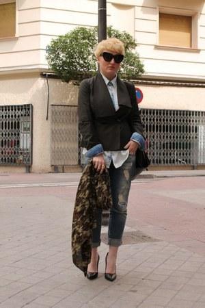 Jesus del Pozo blazer - Zara jeans - Zara shirt - Zara scarf - Zara heels