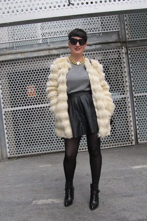 asos skirt - Zara boots - asos coat - H&M jumper - Nelly necklace