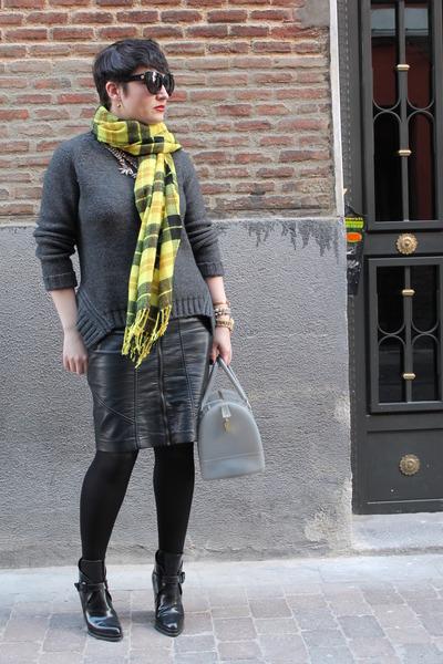 Zara boots - H&M scarf - Furla bag - Oasis skirt - Maje jumper
