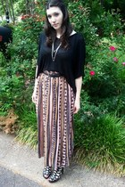 black flowy cropped Tea n Rose top - pink maxi skirt Mary Jayne skirt - black gl