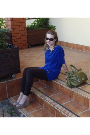 top - Calzedonia leggings - Fossil bag - Ray Ban glasses - CCC wedges