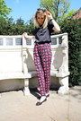 Silky-topshop-t-shirt-printed-river-island-pants-black-french-sole-flats