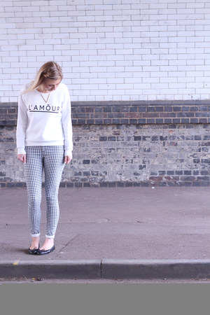 lamour H&M sweatshirt - gingham Topshop jeans - black French Sole flats