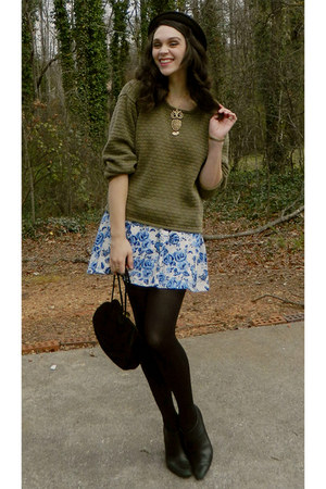 blue thrifted floral skirt - black inherited ankle Kristin Davis boots