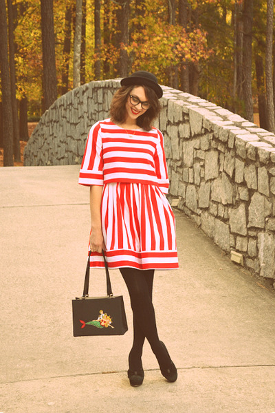 red stripe latern Elf Sack dress - black ampersand Seychelles heels