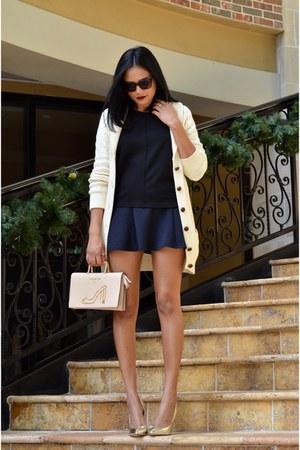 black hollister skirt