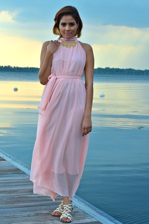 bubble gum lookbookstore dress