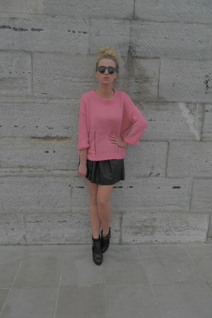 pink Topshop jumper - black Nellycom boots - leather pleated Nellycom skirt