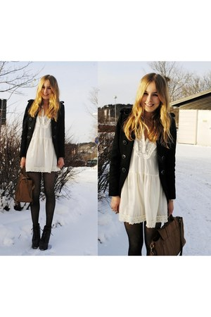 black J boots - black coat