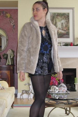 vintage blouse - H&M coat - Forever 21 shorts - JCrew tights - Dollhouse shoes