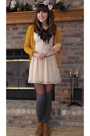 mustard Heritage 1981 cardigan - light pink H&M dress - dark brown modcloth tigh