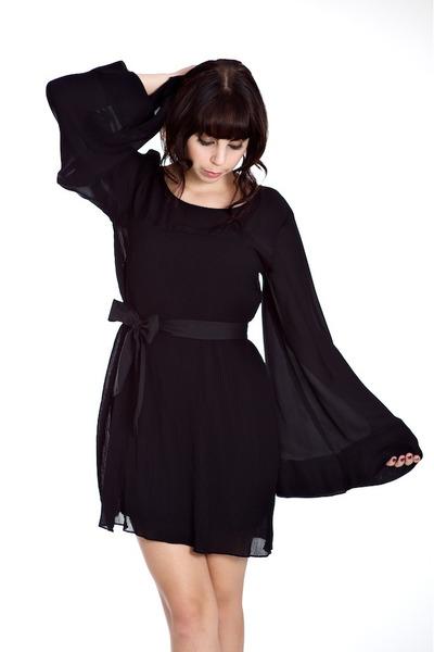 Alyssa Nicole dress