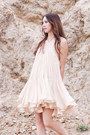 Neutral-silk-alyssa-nicole-dress-silver-necklace