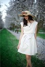 Cream-alyssa-nicole-dress-tan-floral-thrifted-hat-bronze-utensils-alyssa-nic