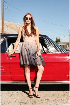 neutral ombre Alyssa Nicole dress - black Tom Ford sunglasses