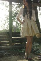 beige high waisted Alyssa Nicole skirt