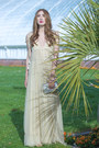 Beige-maxi-dress-alyssa-nicole-dress-silver-clutch-carolina-herrera-bag