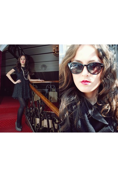black lace vintage dress - gray leather new look shoes