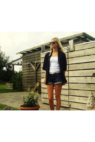 Navy Vintage Blazers, Navy Acne Shorts, Black Ray Ban ...
