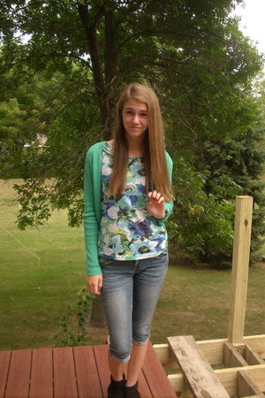 aquamarine floral print shirt