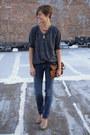 Jeans-gray-shirt-bronze-leopard-print-bag-tan-snake-print-target-heels