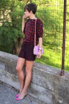 beige diy pumps - black floral Gap shirt - light purple bag - black shorts