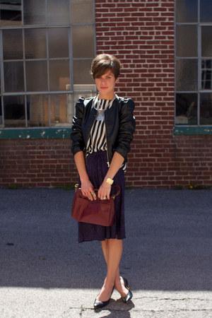 ivory striped vintage blouse - black H&M jacket - maroon bag - black pumps