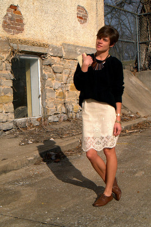 black vintage sweater - dark brown Call it Spring shoes - ivory vintage skirt