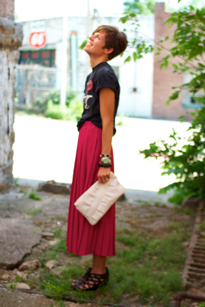 hot pink skirt - white bag - black Call it Spring wedges - black t-shirt
