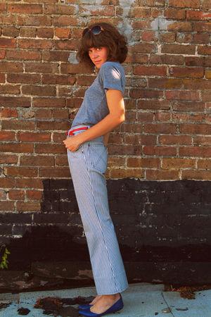 American Apparel t-shirt - vintage jeans