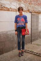 Gap jeans - red bag - black Call it Spring sandals - light blue t-shirt