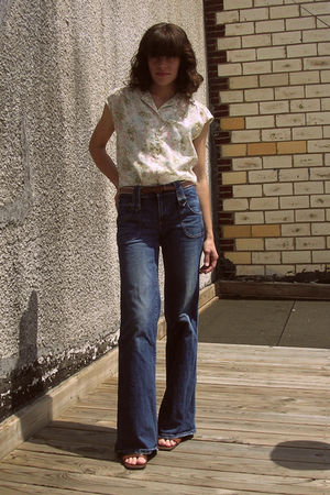 Juicy Couture jeans - vintage shirt