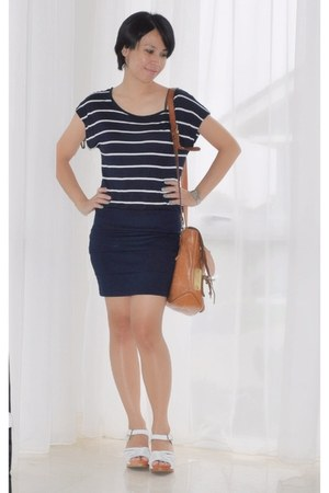 tawny leather Young Camel bag - navy navy stripes cotton on dress