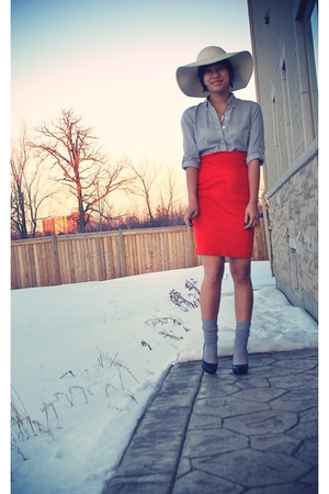 gray Forever 21 shirt - orange Smartset skirt - gray socks - beige Smartset hat