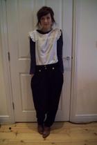 Quiksilver Woman blouse - Topshop pants - Topshop boots