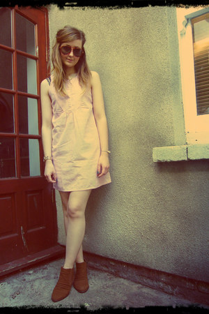 coral Quiksilver dress - dark brown Jane Norman boots - brown vintage sunglasses